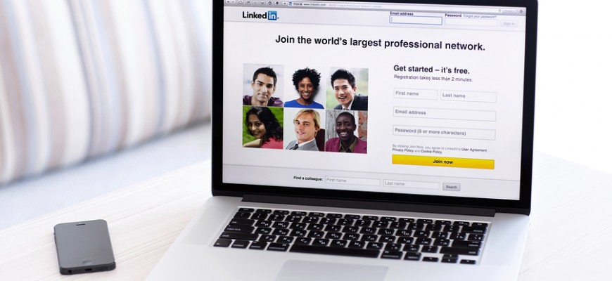 2 Reasons Why Your Recruiters Need to be Active on LinkedIn